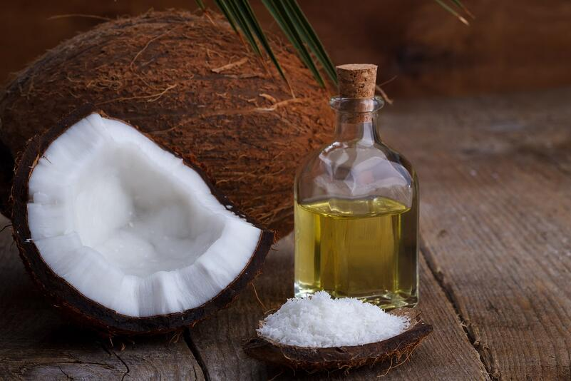 How Does Coconut Oil Mouthwash Cure Bad Breath?